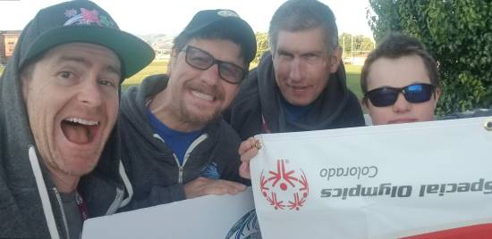 Local-Cash-Home-buyer-with-friends-and-Special-Olympics-Athletes-2
